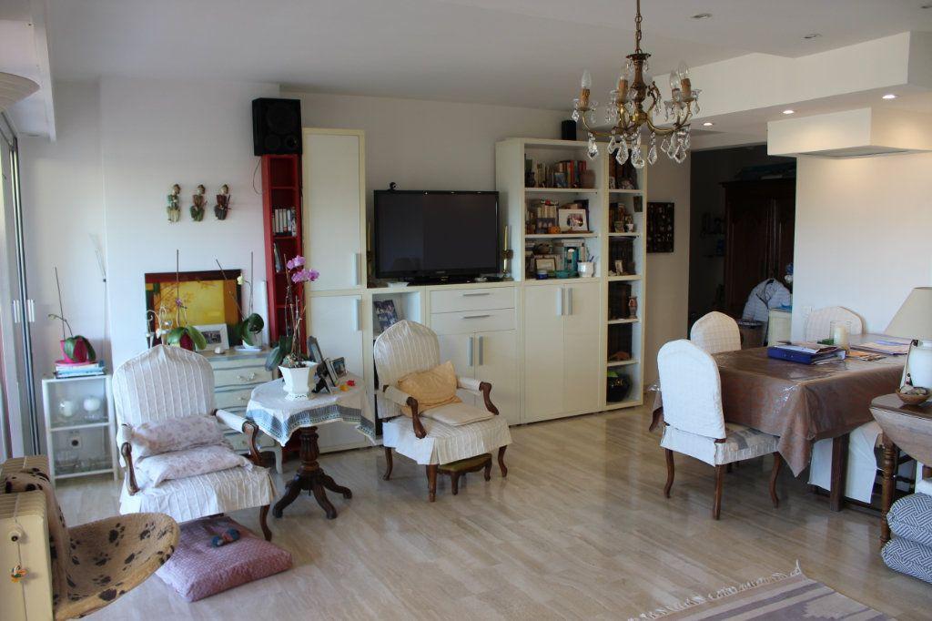 Appartement à vendre 3 94.12m2 à Le Cannet vignette-2