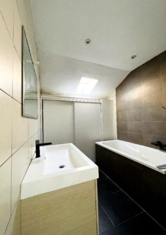Appartement à louer 2 26m2 à Cannes vignette-3