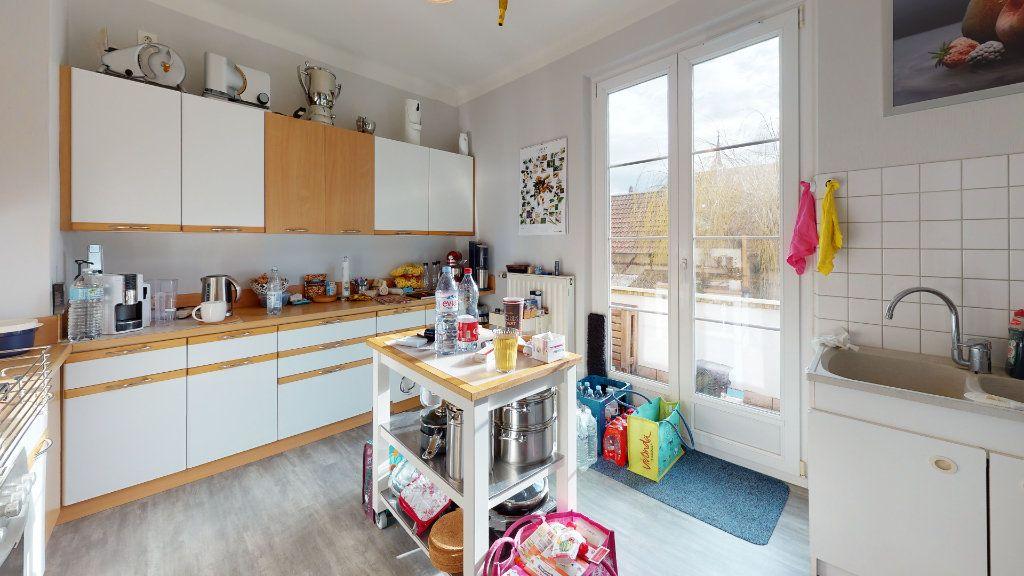Appartement à louer 4 96m2 à Neuf-Brisach vignette-2