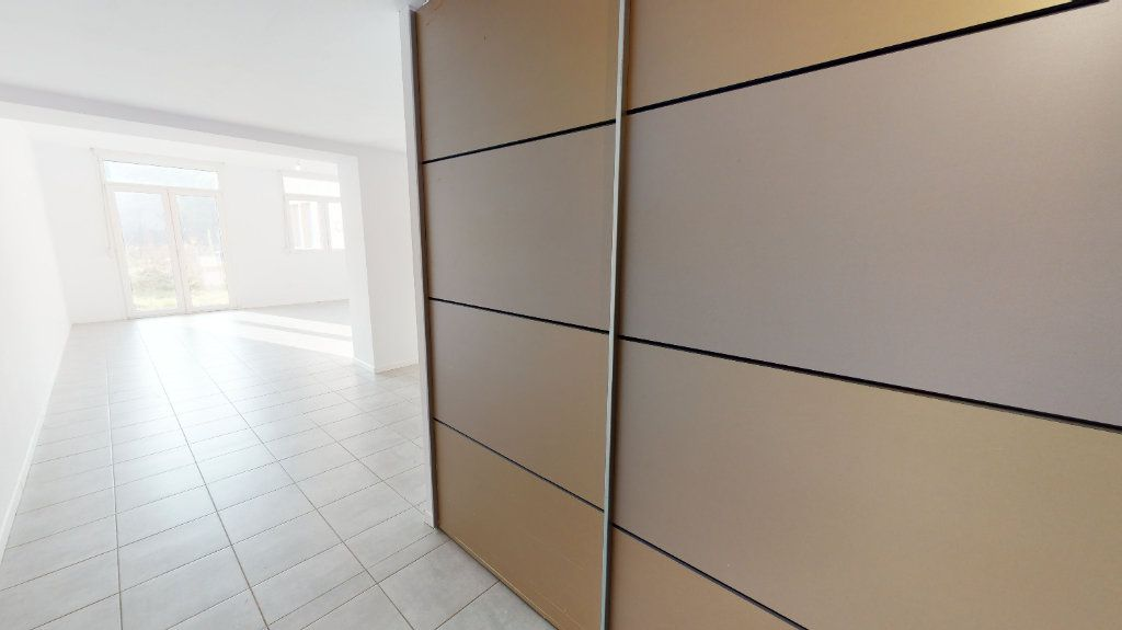Appartement à vendre 5 118m2 à Volgelsheim vignette-2