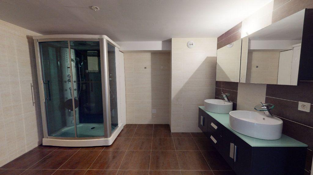 Appartement à vendre 5 118m2 à Volgelsheim vignette-4