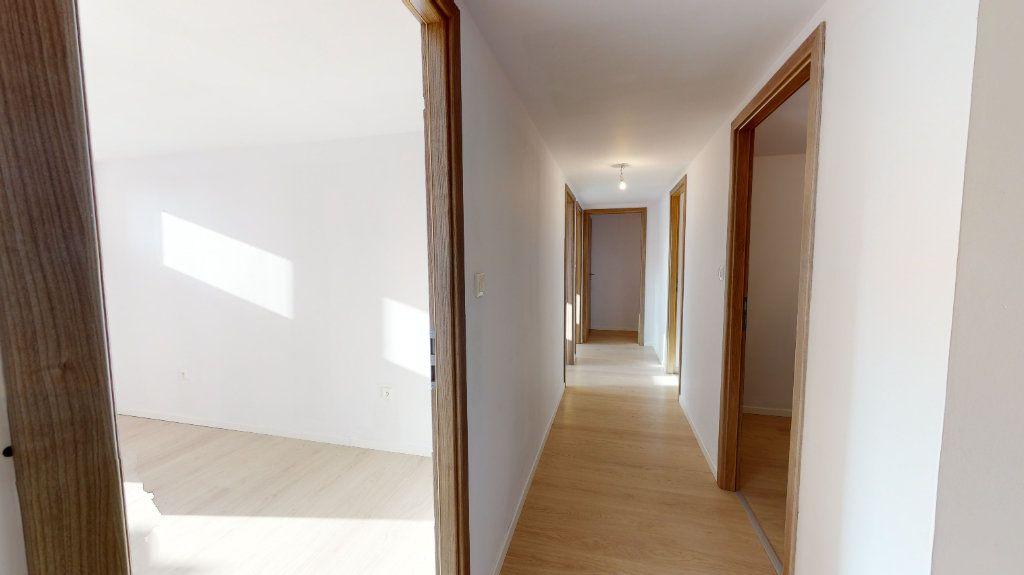 Appartement à vendre 5 118m2 à Volgelsheim vignette-5