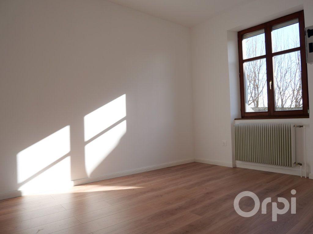 Appartement à louer 3 70.29m2 à Kunheim vignette-2