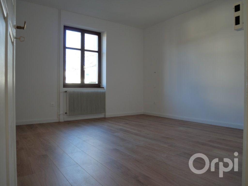 Appartement à louer 3 70.29m2 à Kunheim vignette-3