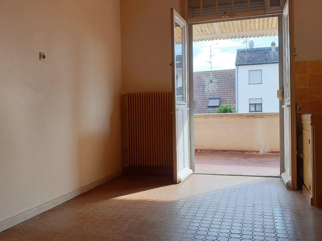 Maison à vendre 7 140m2 à Neuf-Brisach vignette-1