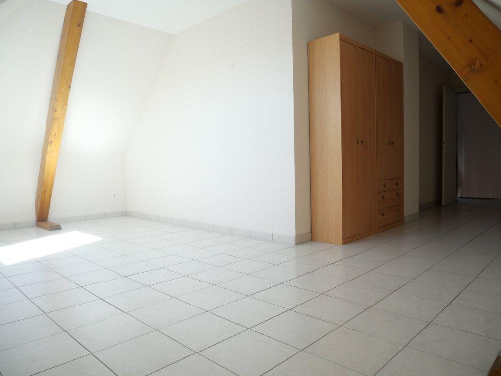 Appartement à louer 3 63.43m2 à Biesheim vignette-2