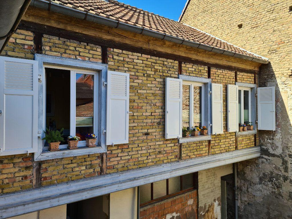 Immeuble à vendre 0 444m2 à Neuf-Brisach vignette-2