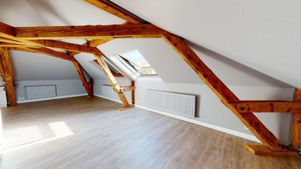 Appartement à louer 3 78m2 à Colmar vignette-2