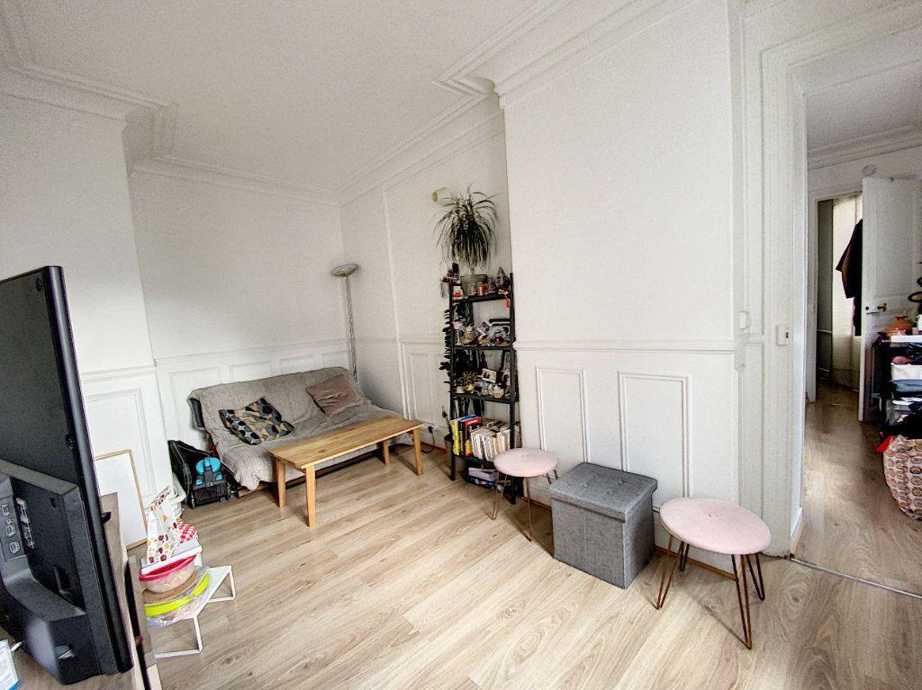 Appartement à vendre 3 41.55m2 à Paris 10 vignette-2