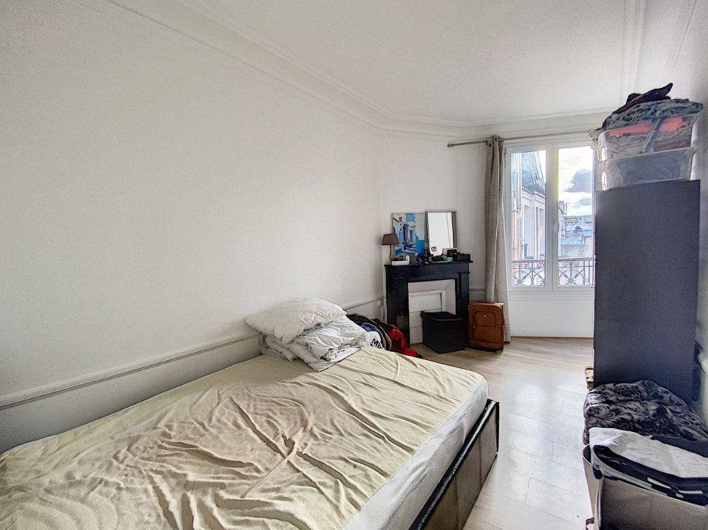 Appartement à vendre 3 41.55m2 à Paris 10 vignette-6