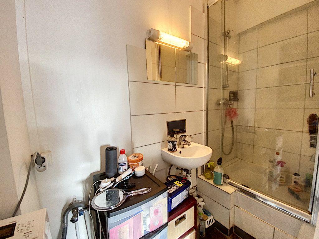 Appartement à vendre 3 41.55m2 à Paris 10 vignette-7