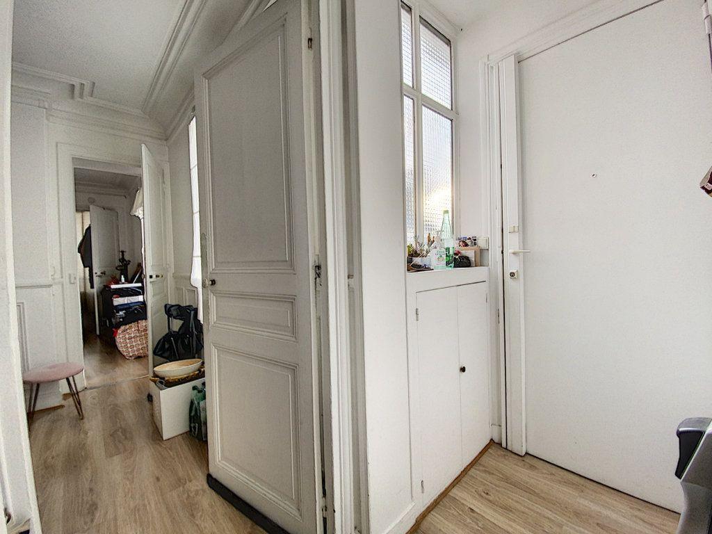 Appartement à vendre 3 41.55m2 à Paris 10 vignette-9