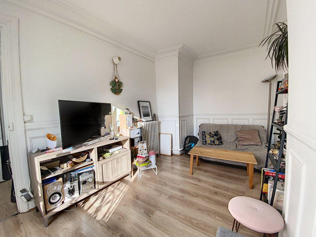 Appartement à vendre 3 41.55m2 à Paris 10 vignette-10