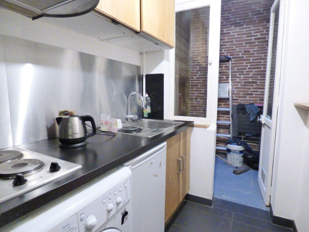 Appartement à vendre 1 24m2 à Paris 18 vignette-5