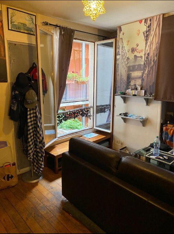 Appartement à vendre 1 22m2 à Paris 10 vignette-1