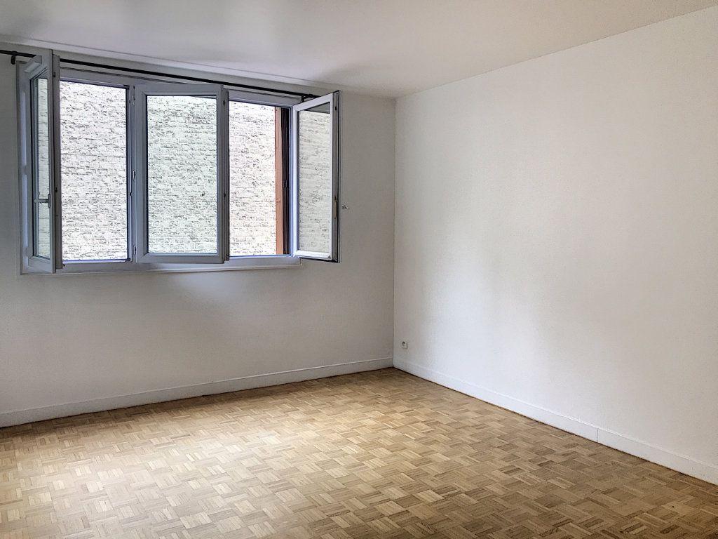 Appartement à vendre 3 54m2 à Paris 17 vignette-1