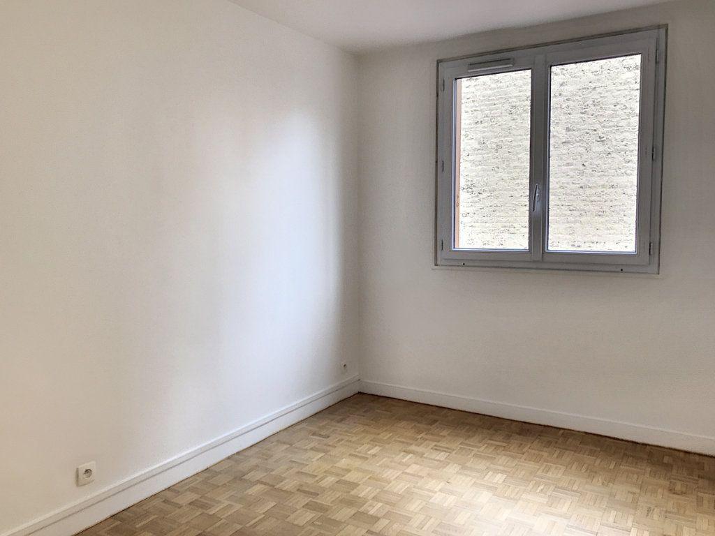 Appartement à vendre 3 54m2 à Paris 17 vignette-2