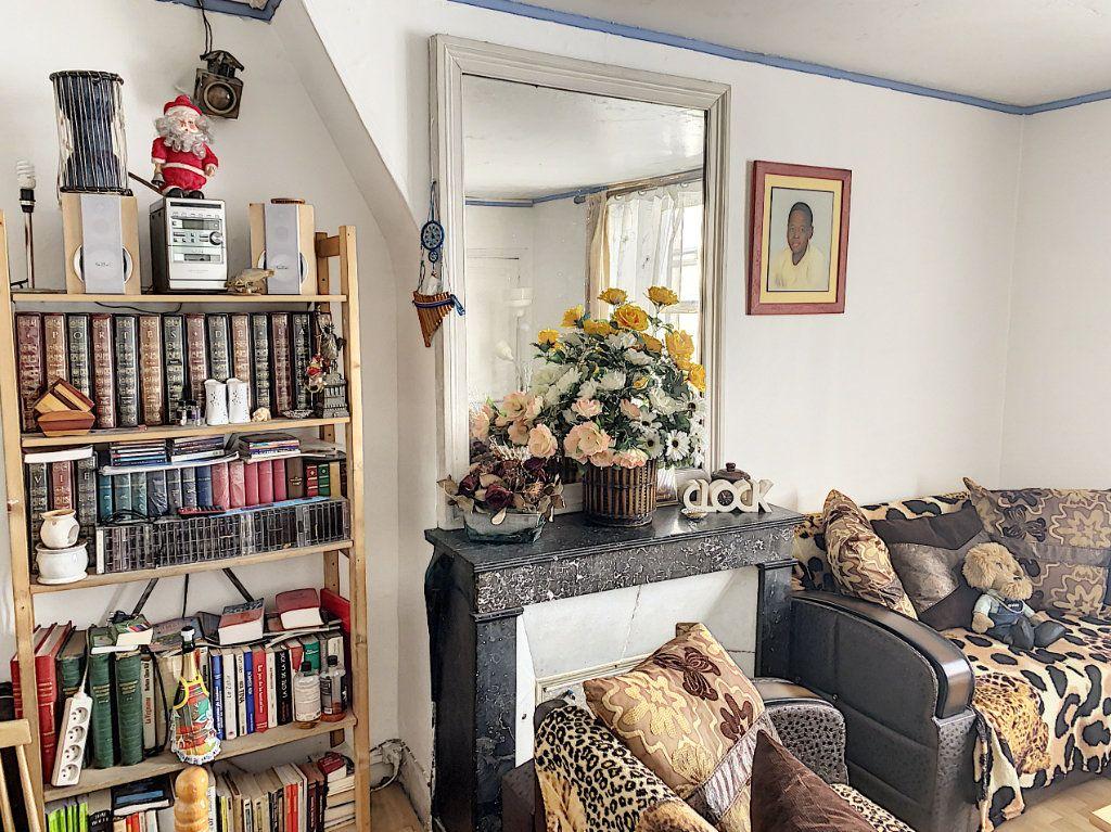 Appartement à vendre 3 55m2 à Paris 10 vignette-2