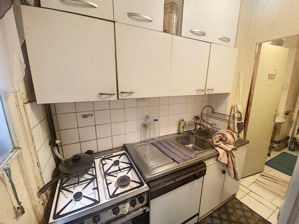 Appartement à vendre 3 55m2 à Paris 10 vignette-9