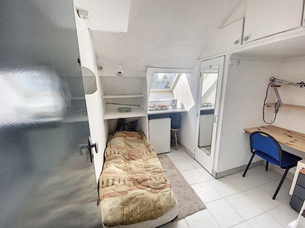 Appartement à vendre 1 6m2 à Paris 10 vignette-1