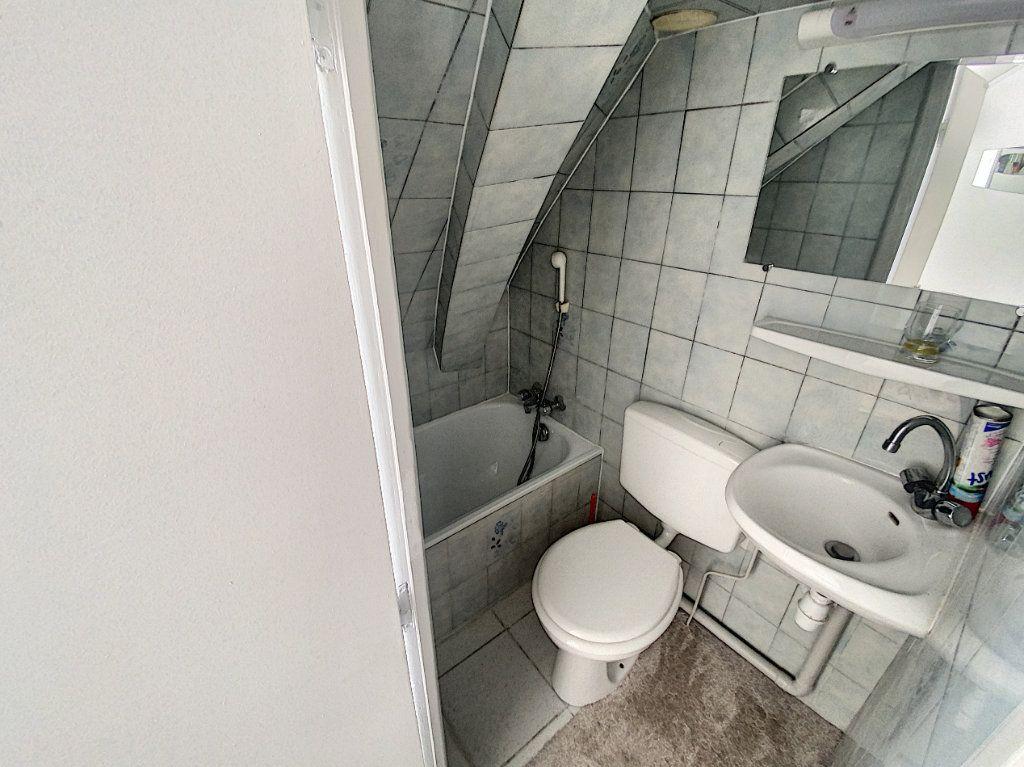Appartement à vendre 1 6m2 à Paris 10 vignette-3