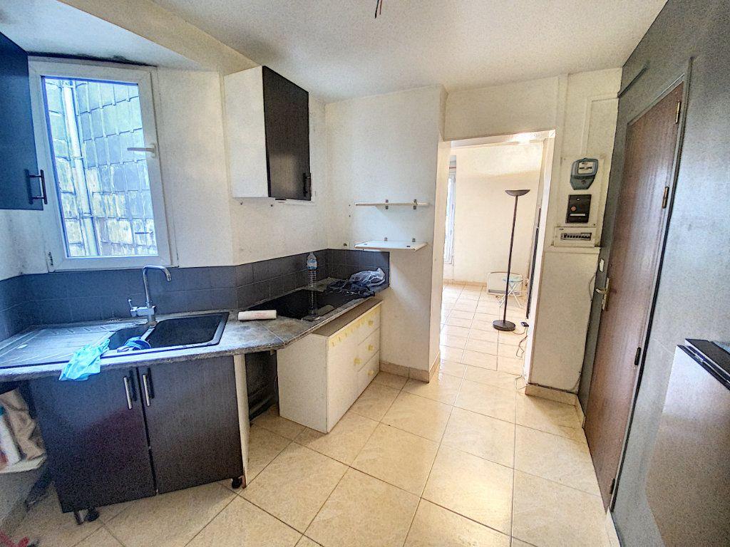 Appartement à vendre 2 32m2 à Paris 10 vignette-6