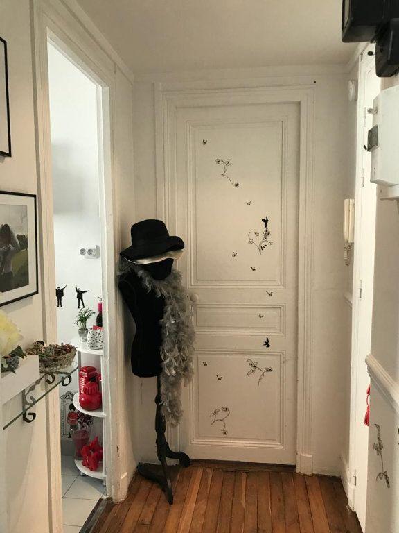 Appartement à vendre 2 34m2 à Paris 18 vignette-7