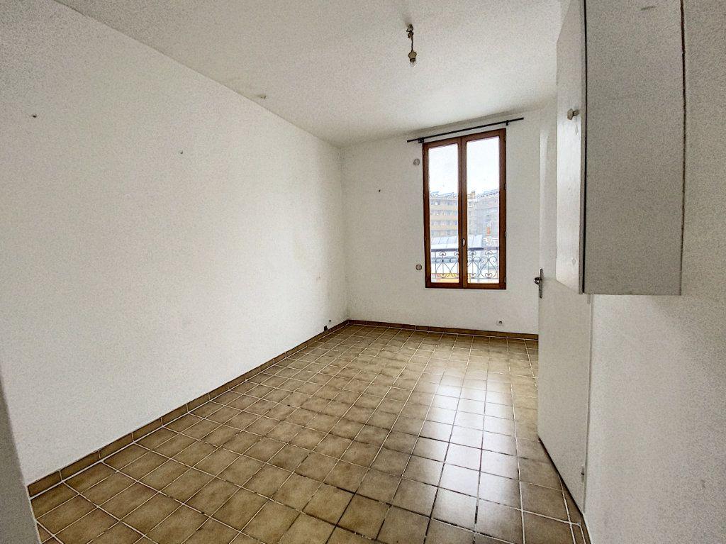 Appartement à vendre 2 36m2 à Paris 10 vignette-2