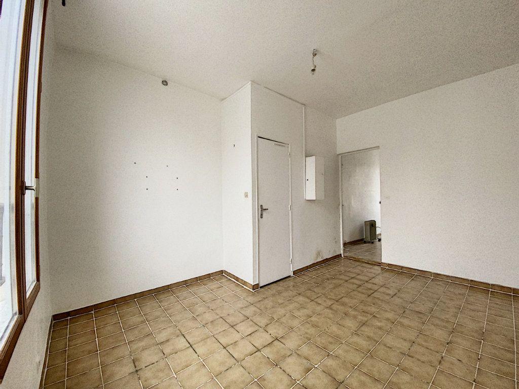 Appartement à vendre 2 36m2 à Paris 10 vignette-3