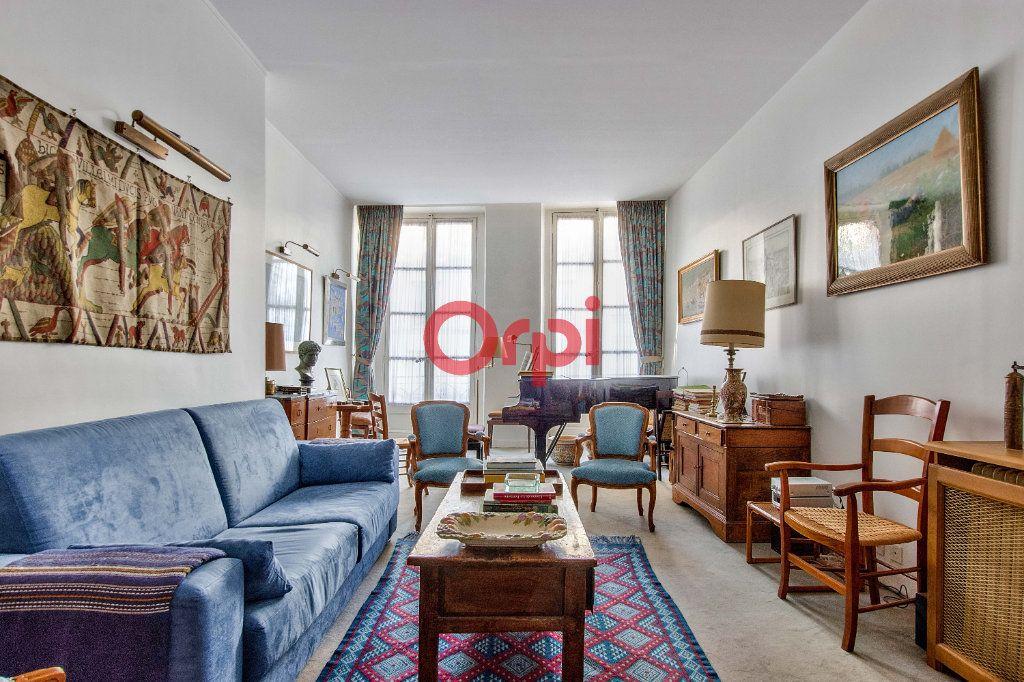 Appartement à vendre 4 127.45m2 à Paris 10 vignette-1