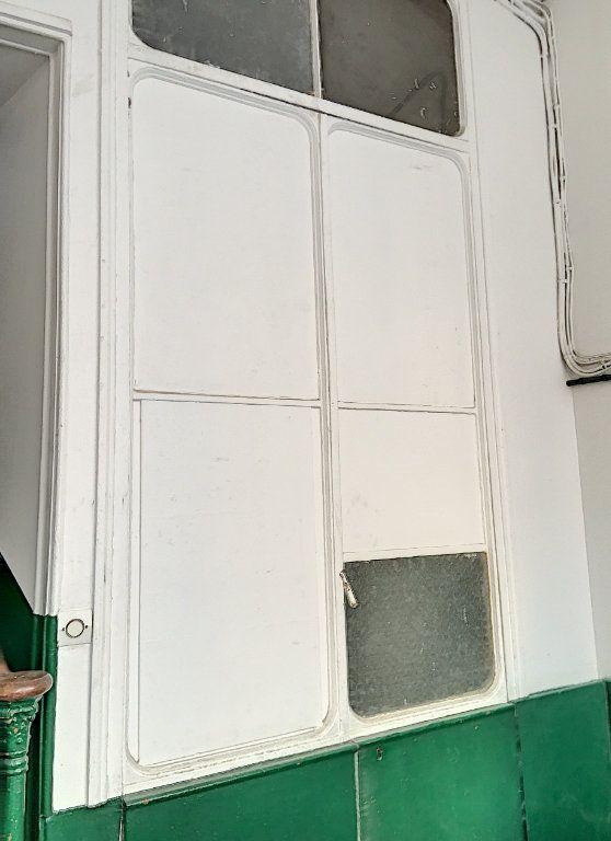 Appartement à vendre 1 9.18m2 à Paris 10 vignette-1