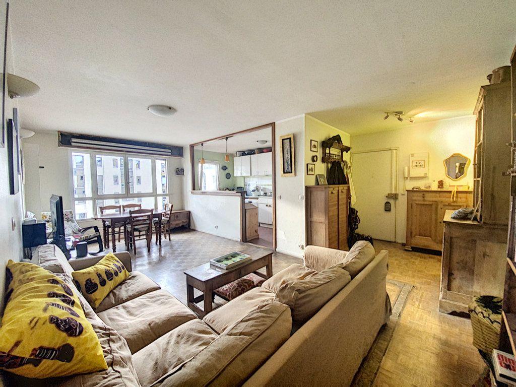 Appartement à vendre 4 82m2 à Paris 19 vignette-2