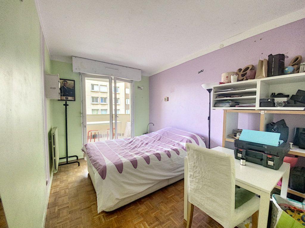 Appartement à vendre 4 82m2 à Paris 19 vignette-17