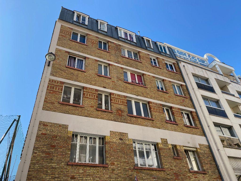 Appartement à vendre 1 11.45m2 à Paris 20 vignette-9