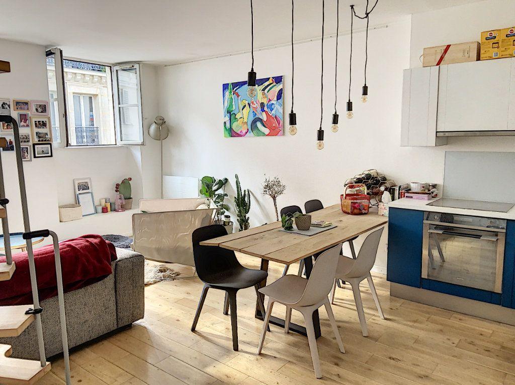 Appartement à vendre 2 43m2 à Paris 10 vignette-1