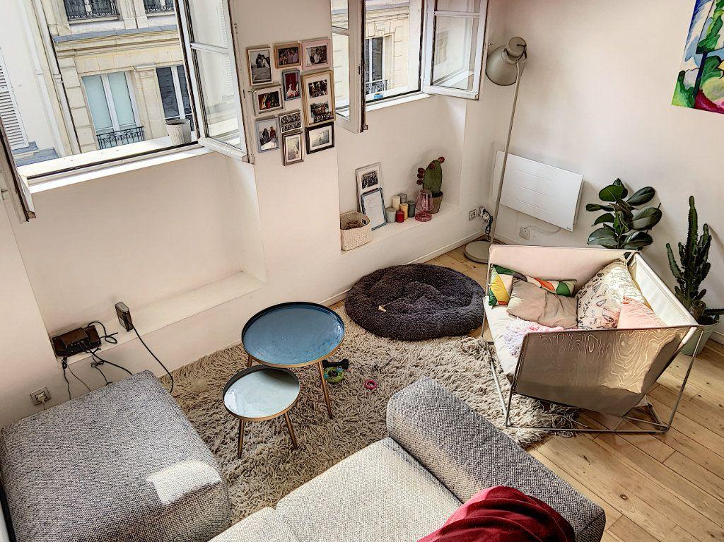 Appartement à vendre 2 43m2 à Paris 10 vignette-2