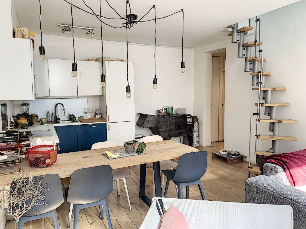 Appartement à vendre 2 43m2 à Paris 10 vignette-3
