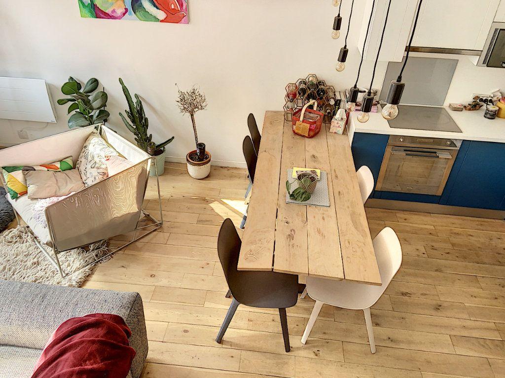 Appartement à vendre 2 43m2 à Paris 10 vignette-5