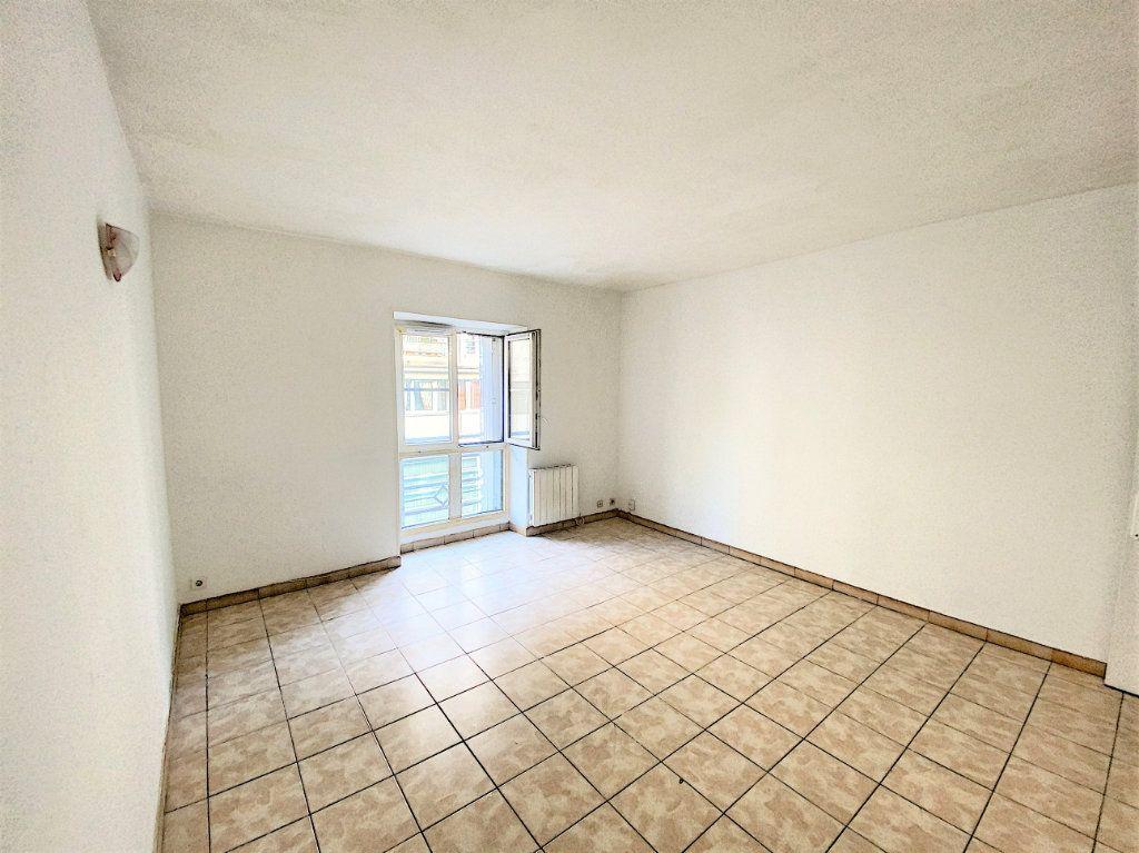 Appartement à vendre 2 40m2 à Paris 19 vignette-2