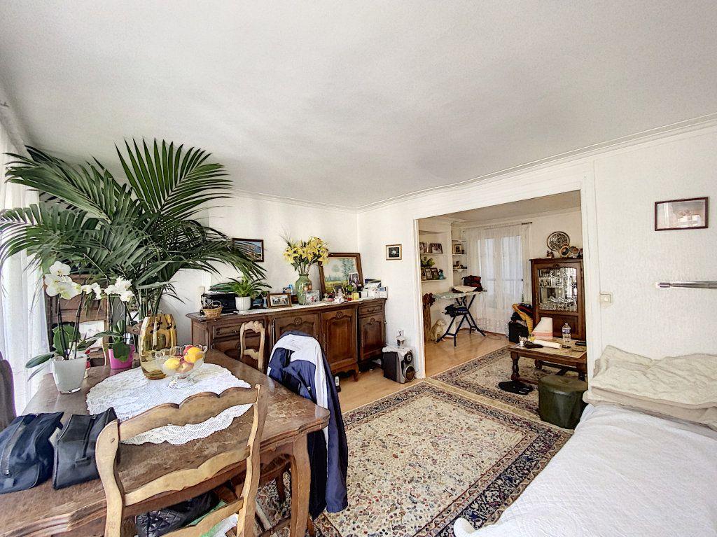 Appartement à vendre 3 52m2 à Paris 10 vignette-2