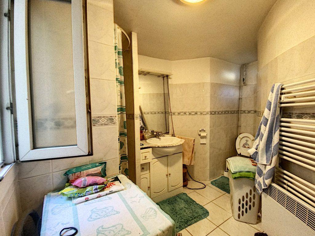 Appartement à vendre 3 52m2 à Paris 10 vignette-5