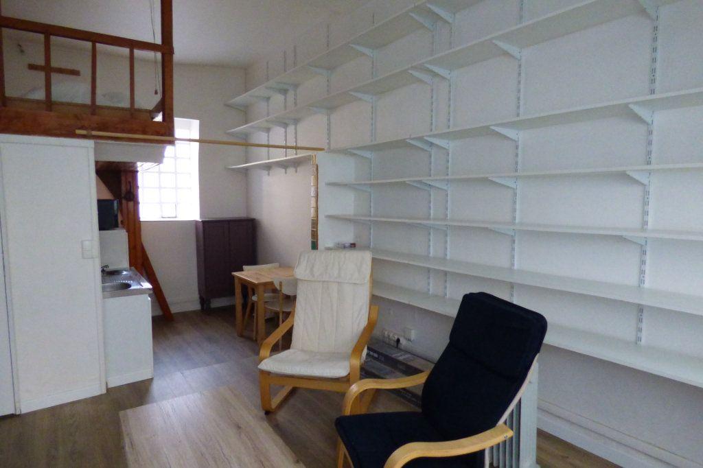 Appartement à louer 1 22.53m2 à Paris 10 vignette-5