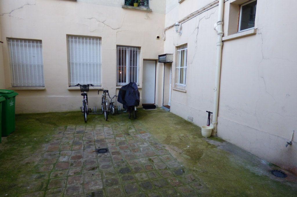 Appartement à louer 1 22.53m2 à Paris 10 vignette-15