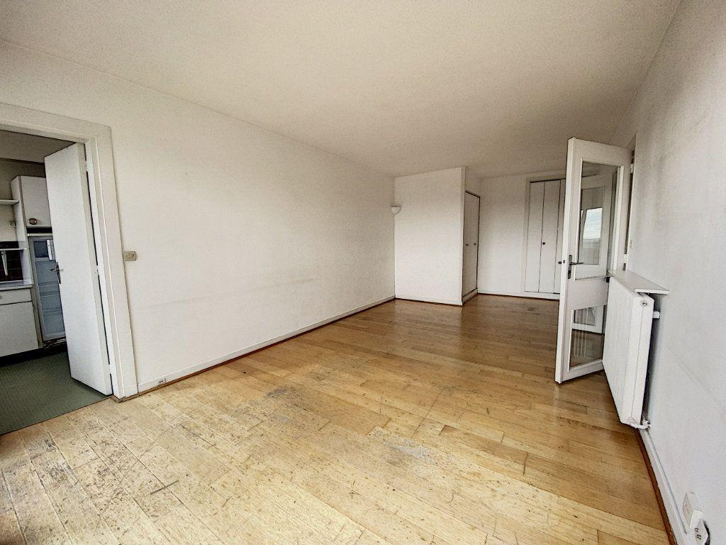 Appartement à vendre 2 50m2 à Paris 10 vignette-6