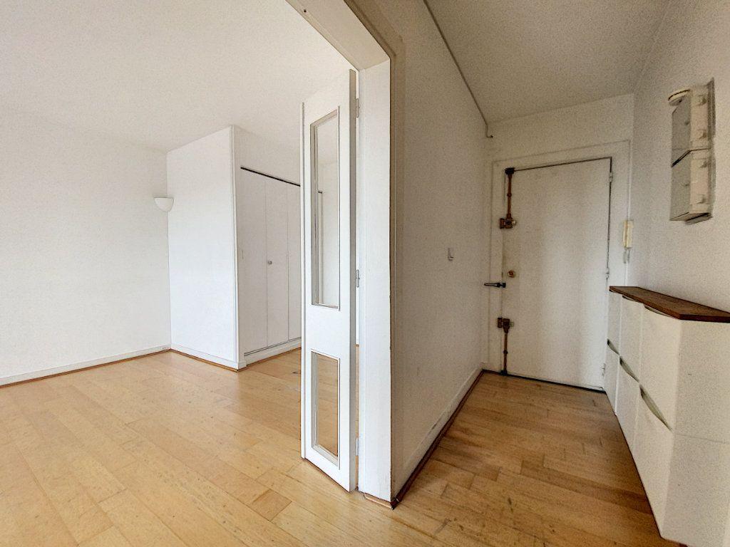 Appartement à vendre 2 50m2 à Paris 10 vignette-10