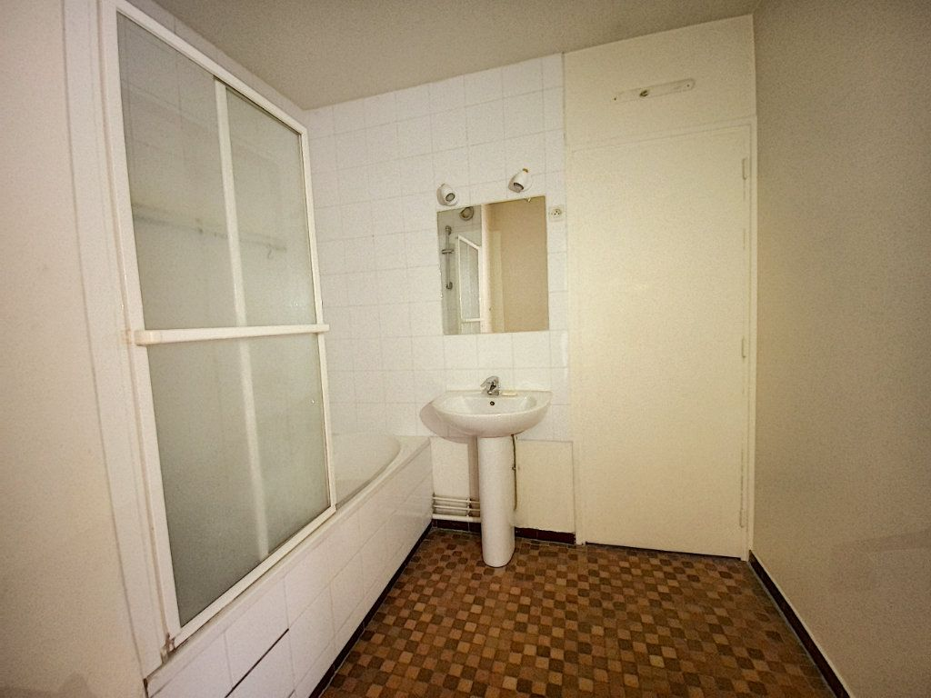 Appartement à vendre 2 50m2 à Paris 10 vignette-12