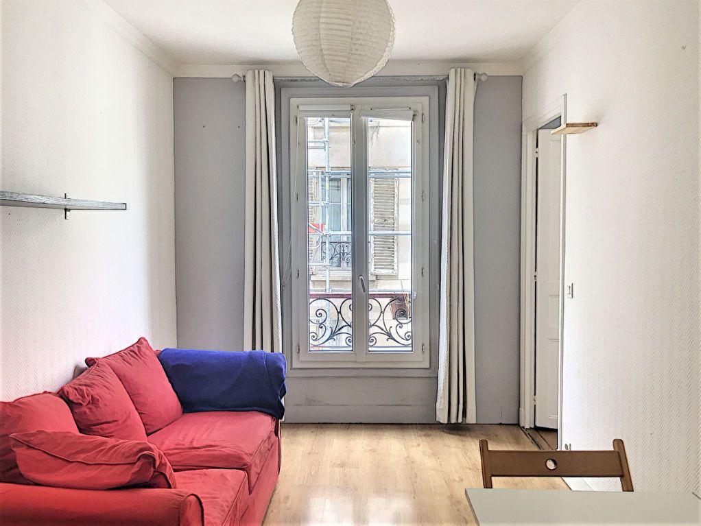Appartement à vendre 2 28.2m2 à Paris 18 vignette-1