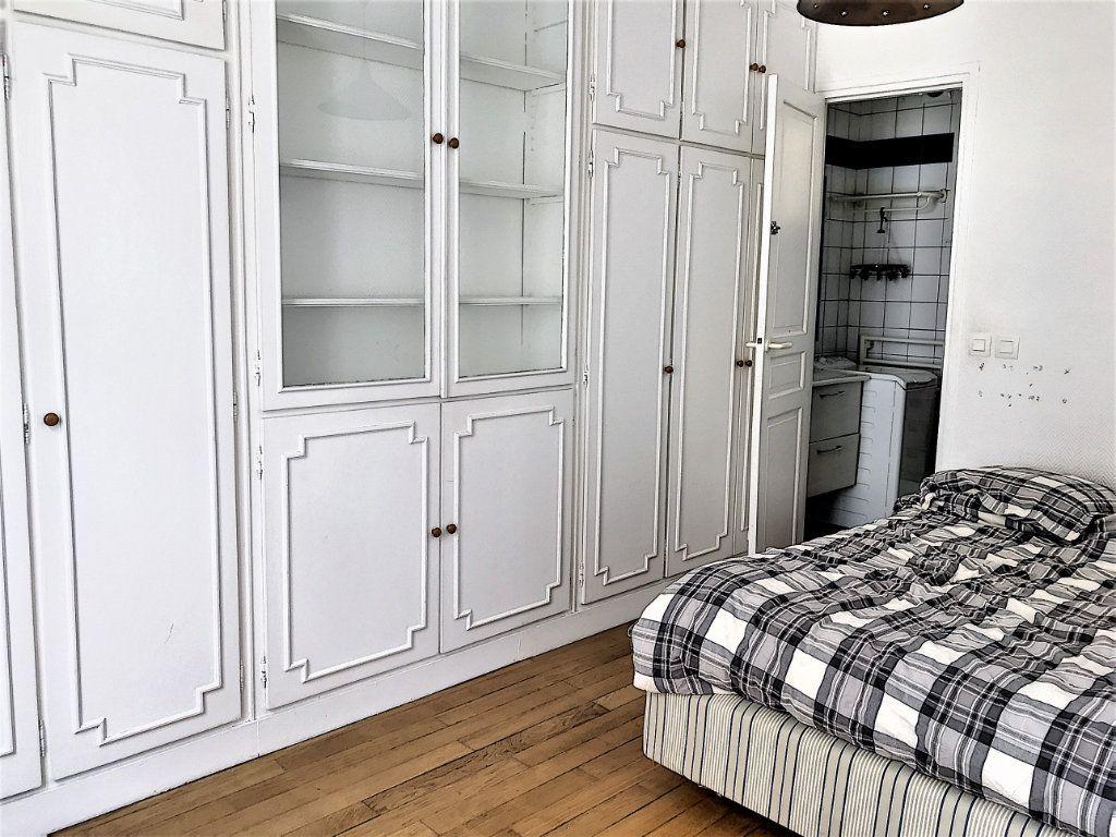 Appartement à vendre 2 28.2m2 à Paris 18 vignette-2