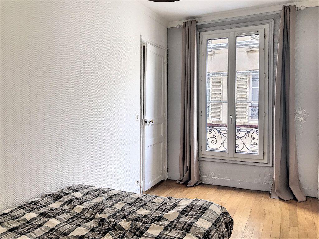 Appartement à vendre 2 28.2m2 à Paris 18 vignette-3