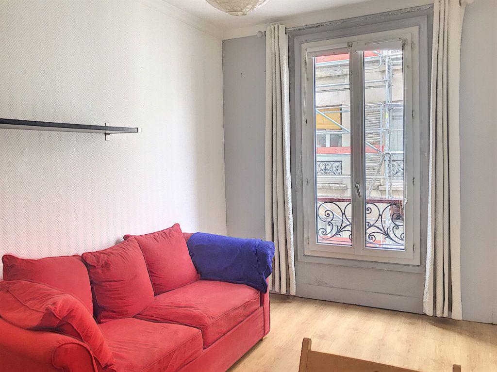 Appartement à vendre 2 28.2m2 à Paris 18 vignette-6